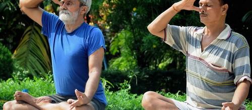 Yoga Asana và Pranayam – Kiểm soát dòng năng lượng
